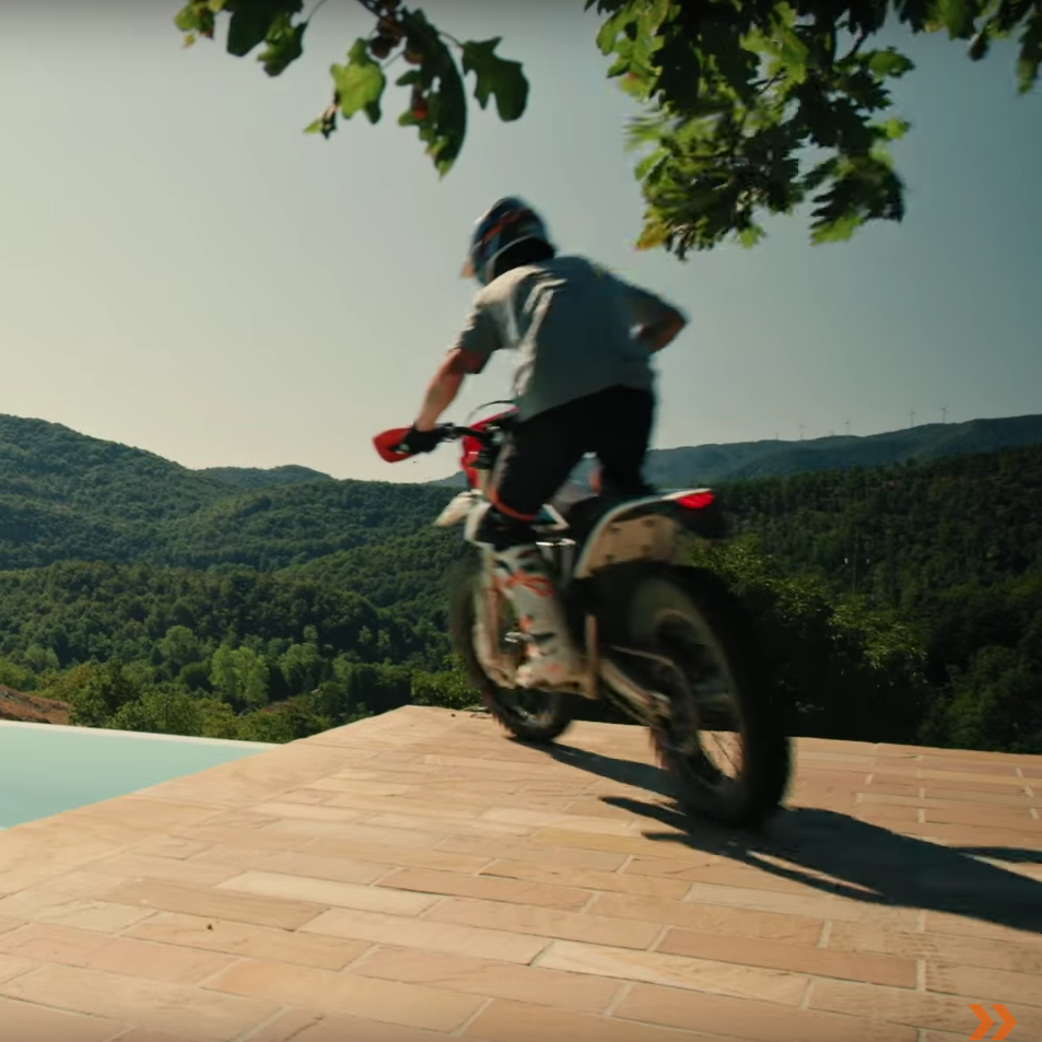KTM FREERIDE E-XC – A quiet ride for a loud lifestyle